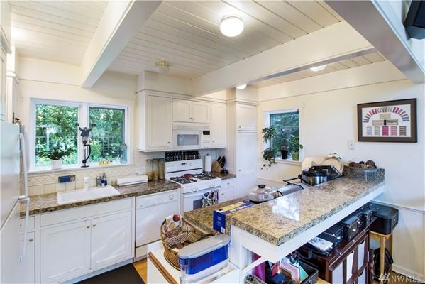 Luxury properties Secluded Craftsman style waterfront home