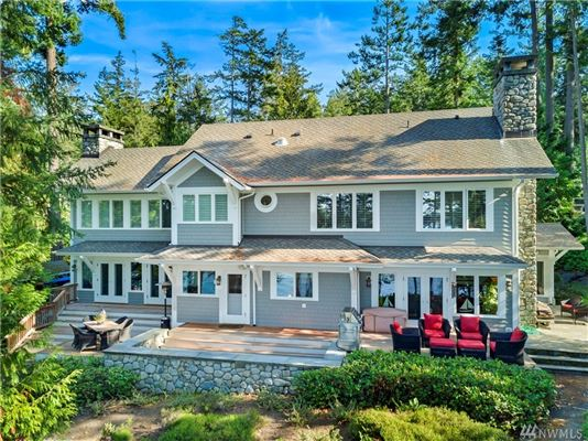 Mansions Secluded Craftsman style waterfront home