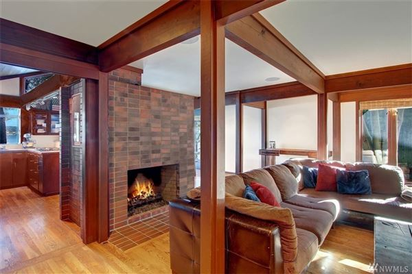 Luxury properties The essential lake house