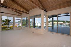 Luxury properties waterfront skyline rambler