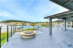 Luxury real estate waterfront skyline rambler