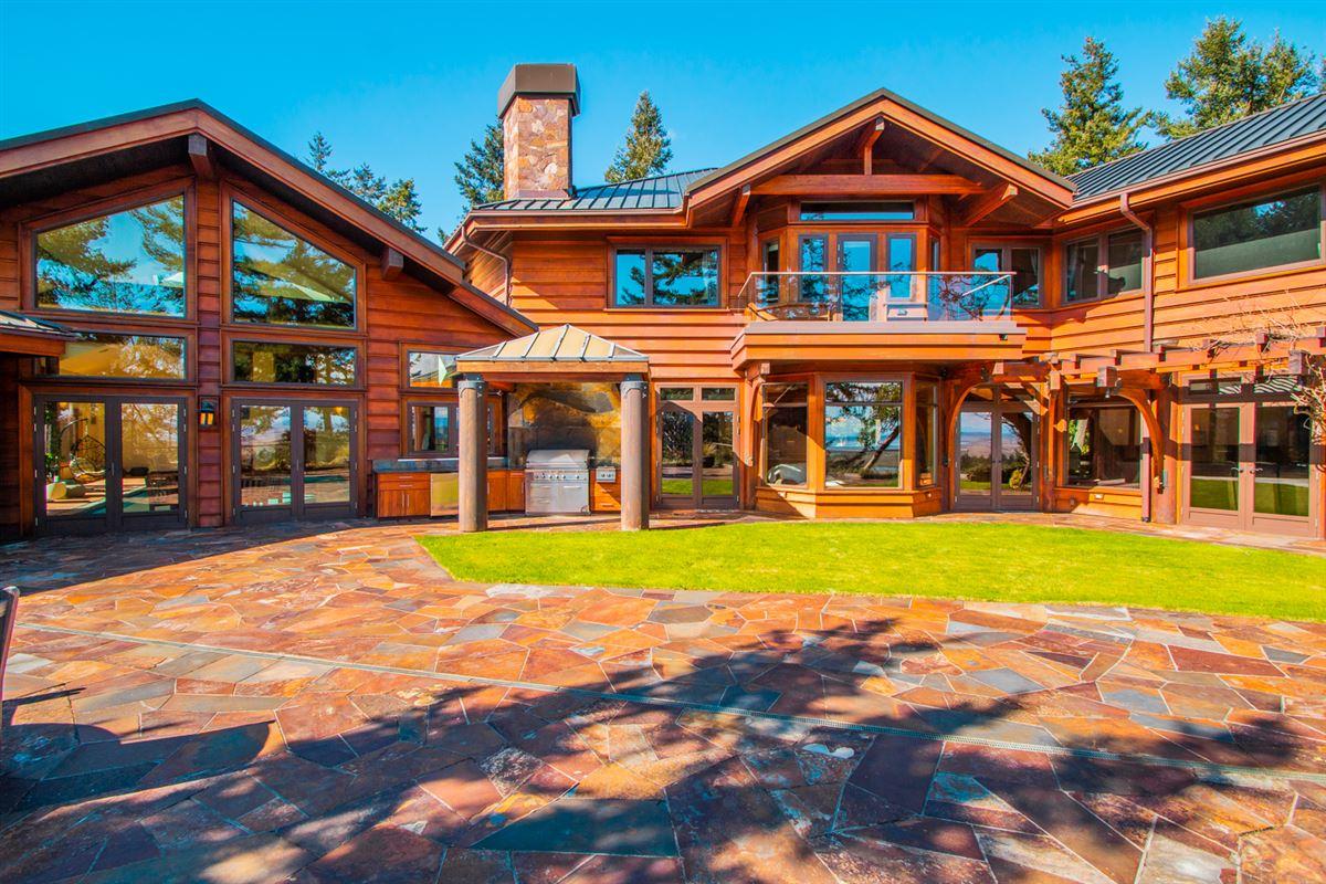 Majestic Eagles Nest luxury estate  luxury homes