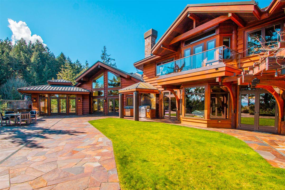 Majestic Eagles Nest luxury estate  mansions