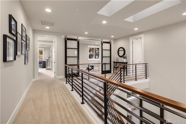 Mansions ideal home and location in First Hill