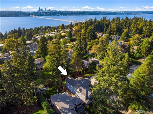Luxury real estate ideal home and location in First Hill