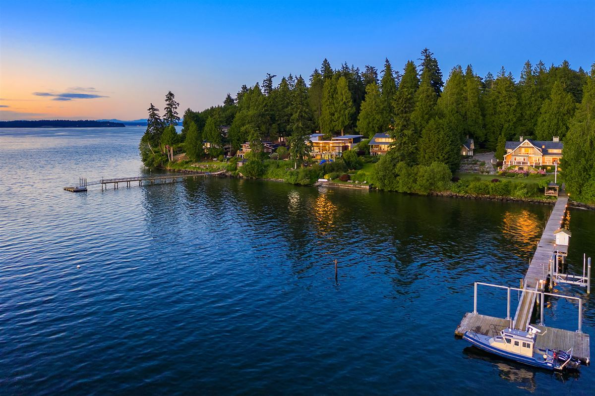 luxurious Port Madison waterfront estate luxury properties