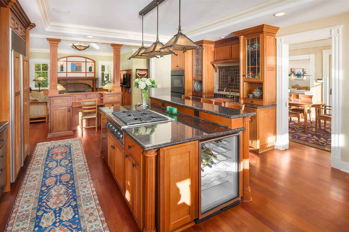 Mansions luxurious Port Madison waterfront estate
