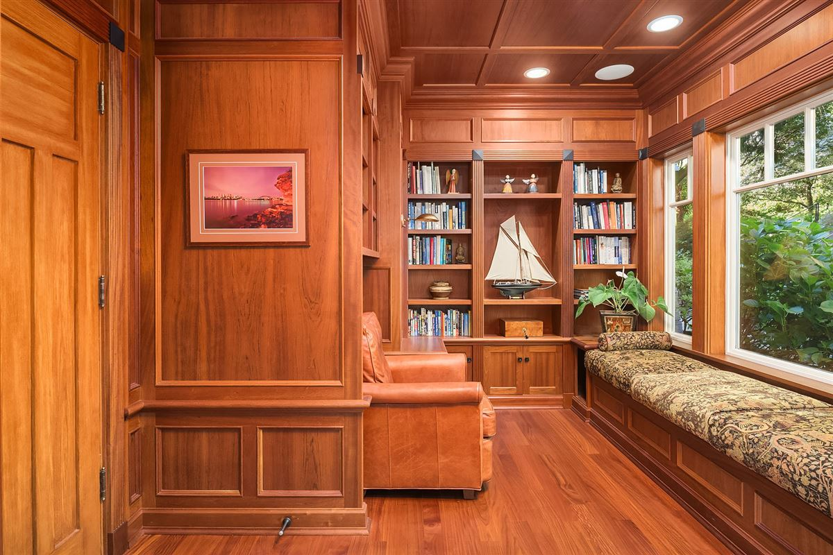 Luxury real estate luxurious Port Madison waterfront estate