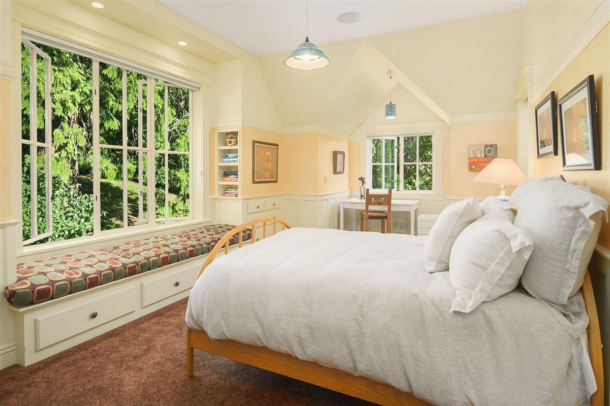 luxurious Port Madison waterfront estate luxury homes
