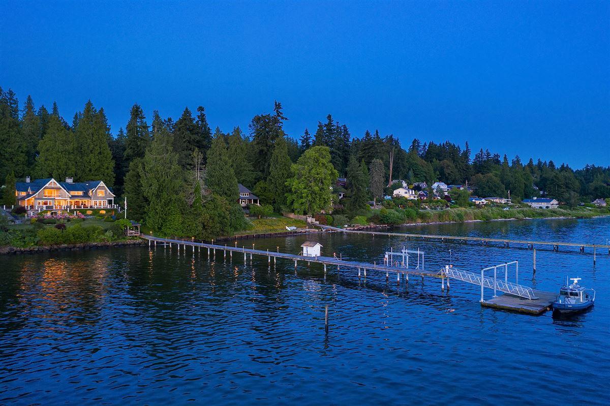 Luxury homes luxurious Port Madison waterfront estate