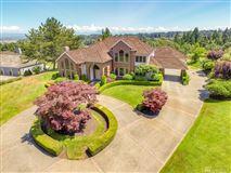 Luxury homes in Desirable Harbor Ridge Estate home