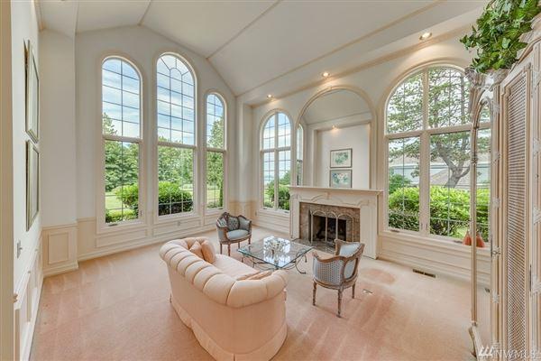 Luxury properties Desirable Harbor Ridge Estate home
