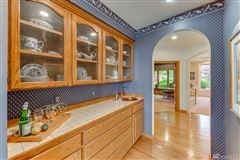 Desirable Harbor Ridge Estate home luxury homes