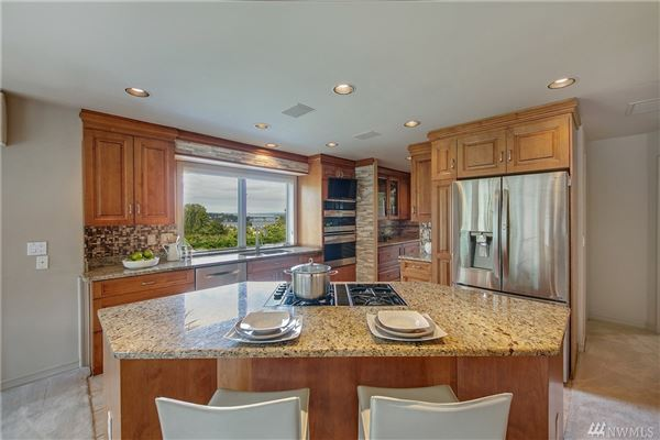Lake Heights luxury with sweeping views luxury real estate