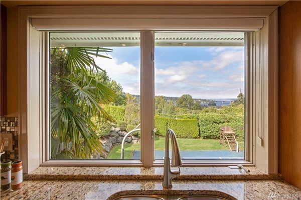 Luxury properties Lake Heights luxury with sweeping views