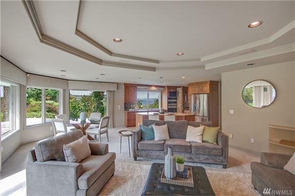 Lake Heights luxury with sweeping views luxury properties
