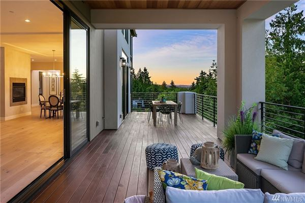 Luxury homes Luxurious style in desirable First Hill