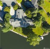 A slice of paradise on Newport Shores mansions