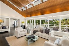 Mansions in A slice of paradise on Newport Shores