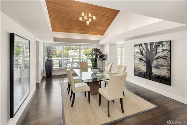 Luxury real estate A slice of paradise on Newport Shores