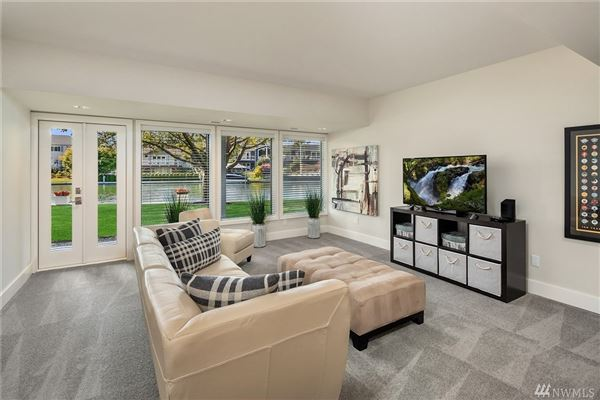 Luxury homes in A slice of paradise on Newport Shores