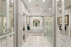 personal luxury resort mansions