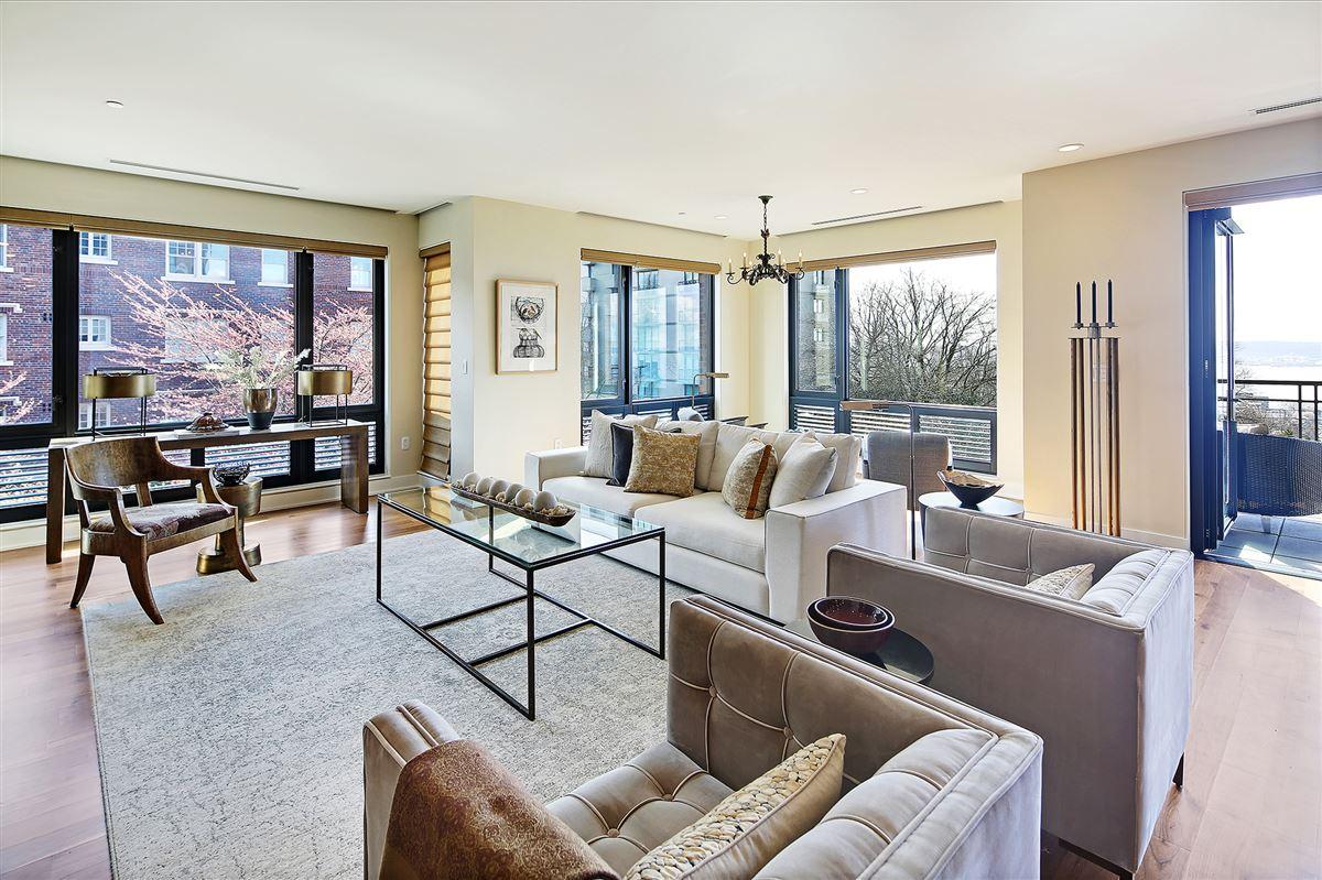 Extremely rare three bedroom in prestigious building luxury homes