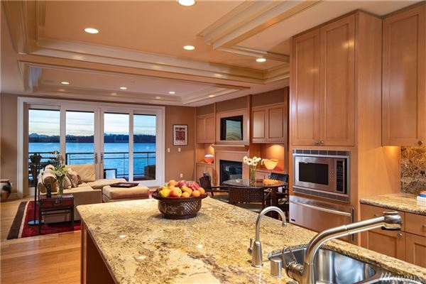 Stunning penthouse residence luxury real estate