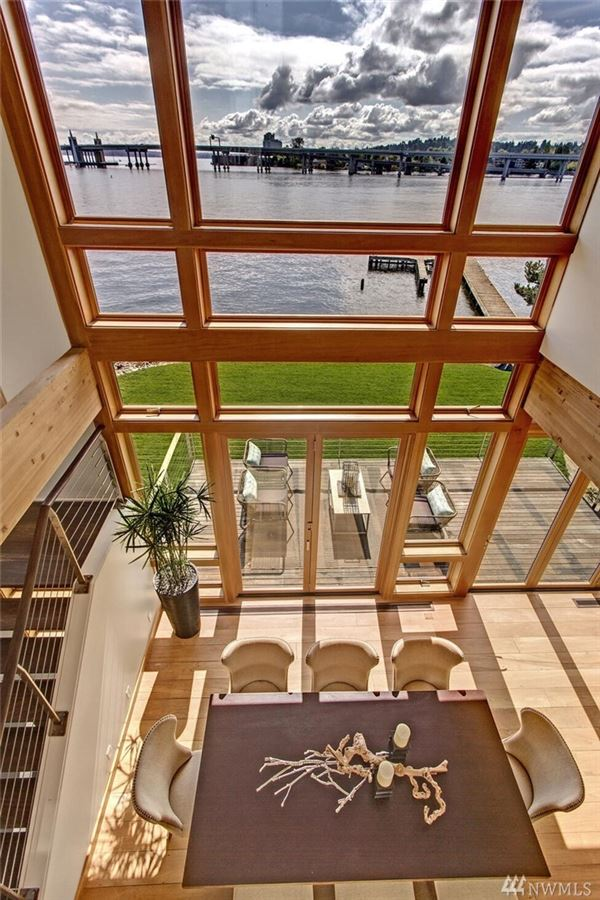 Urban luxury living with Webster Point waterfront mansions