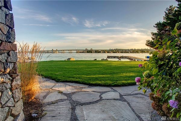 Luxury properties Urban luxury living with Webster Point waterfront