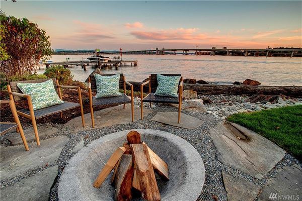 Urban luxury living with Webster Point waterfront luxury properties