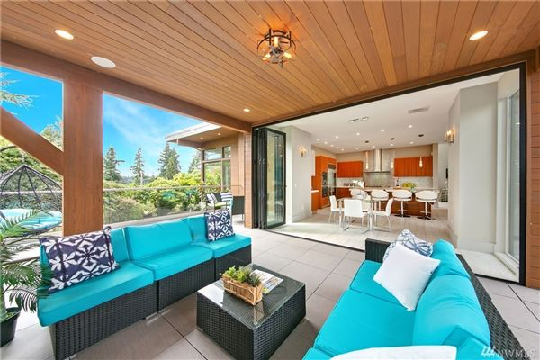 ultimate urban Northwest Contemporary retreat luxury homes