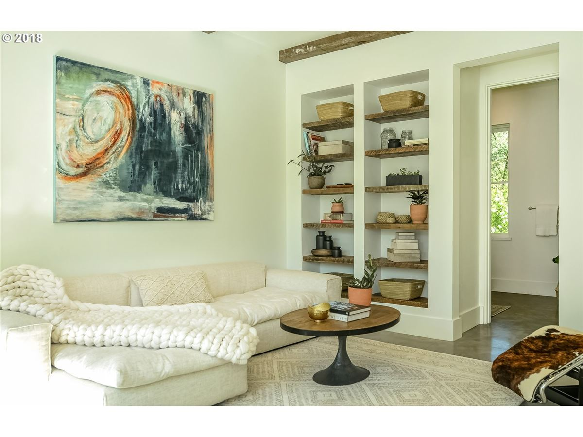 Luxury homes in Merging Tradition with Modern Design in Portland