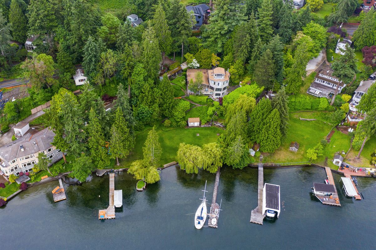 Unique West facing Waterfront Estate  luxury homes