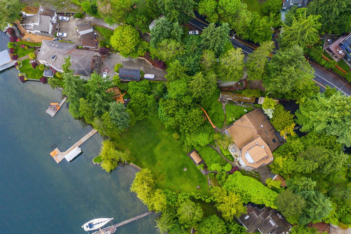 Luxury real estate Unique West facing Waterfront Estate
