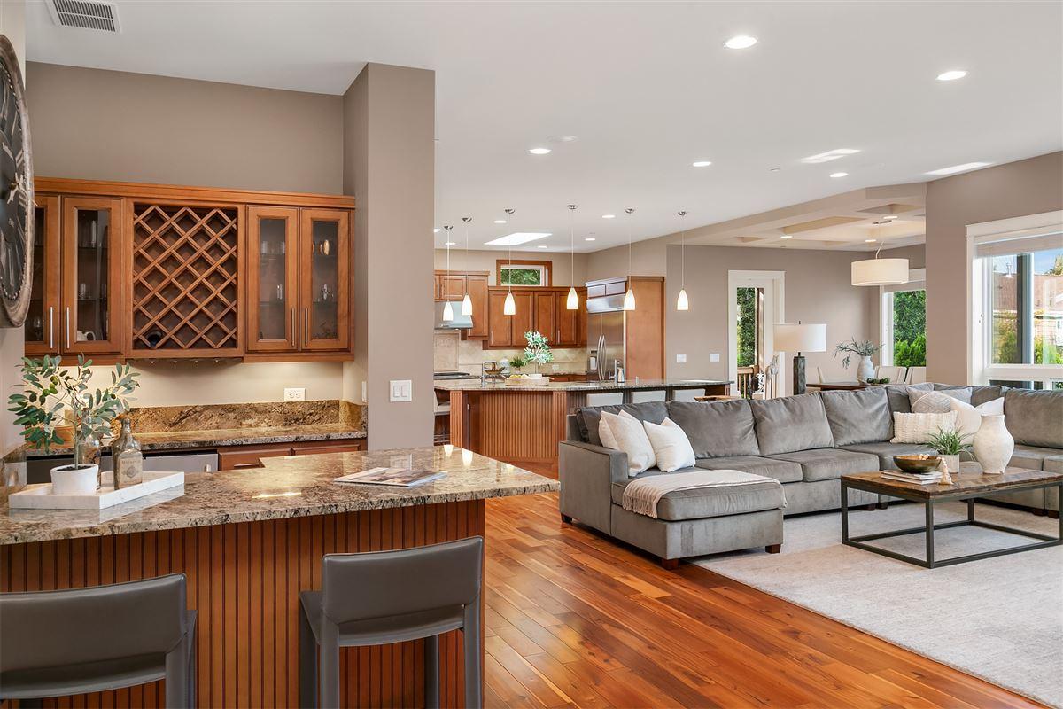 Luxury homes Distinctive Kirkland living
