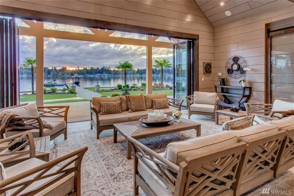 Luxury homes in tucked away for your private enjoyment