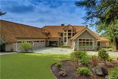Luxury homes tucked away for your private enjoyment