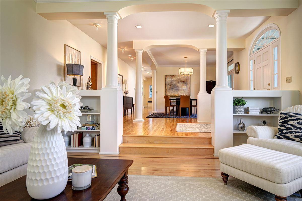 Luxury properties stunning VIEW ESTATE