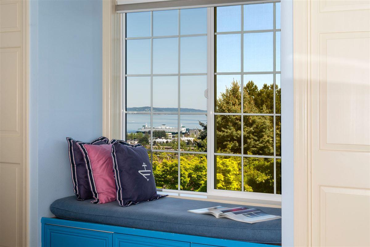 stunning VIEW ESTATE luxury homes