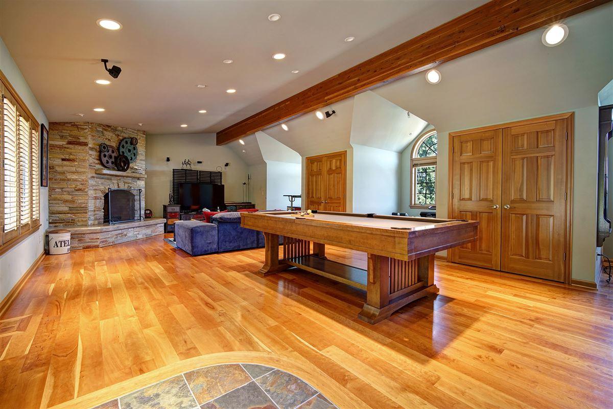 Luxury real estate stunning VIEW ESTATE