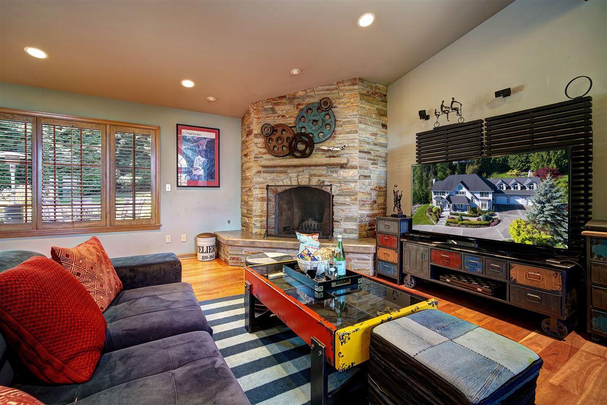 stunning VIEW ESTATE luxury real estate