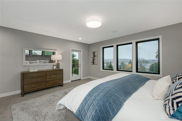 Luxury homes Stunning new home in Laurelhurst by Winfield Homes
