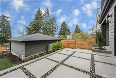 Luxury real estate Stunning new home in Laurelhurst by Winfield Homes