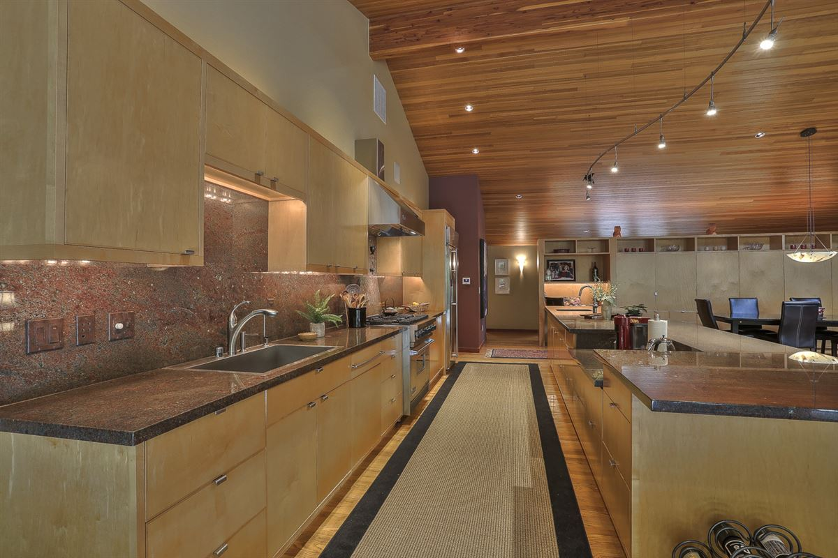 Luxury homes Exceptionally private one level living