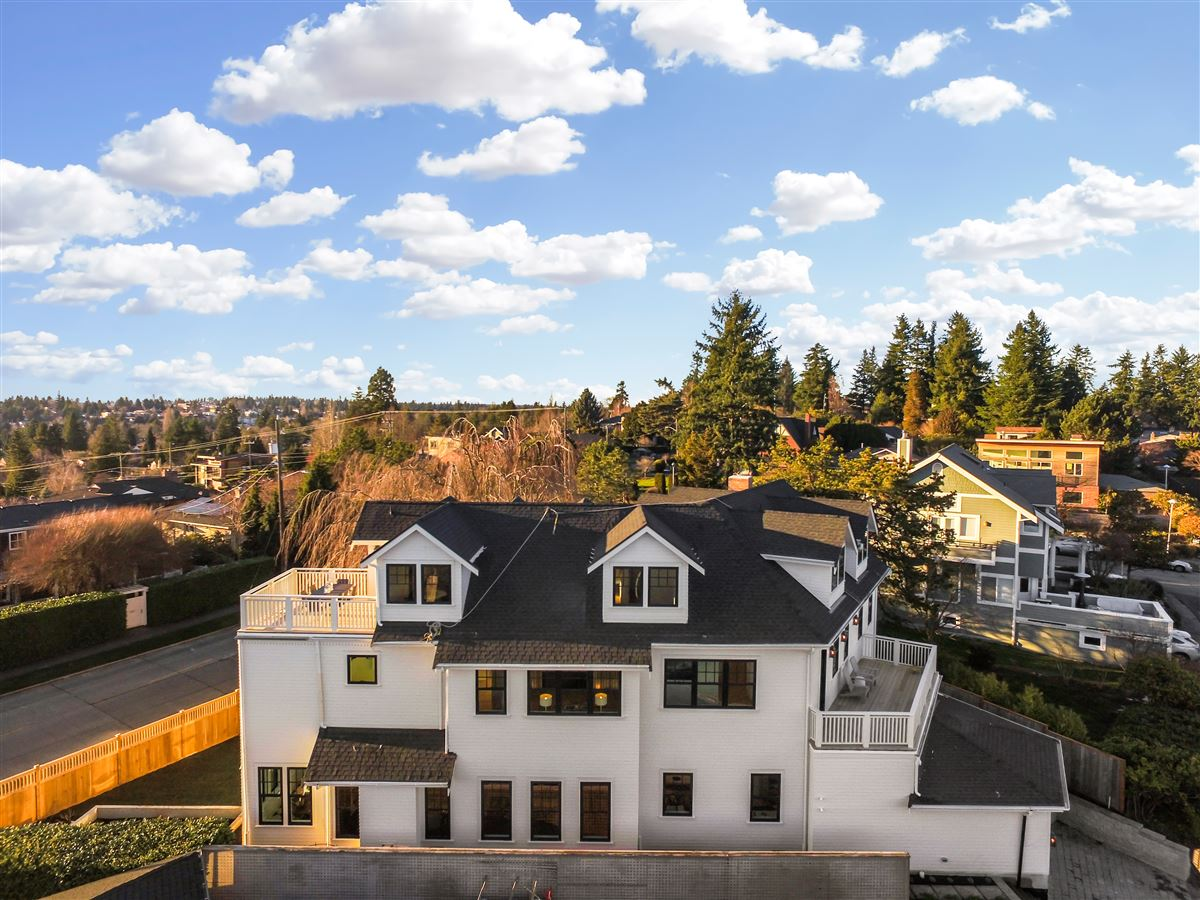 Mansions Once in a lifetime home in seattle