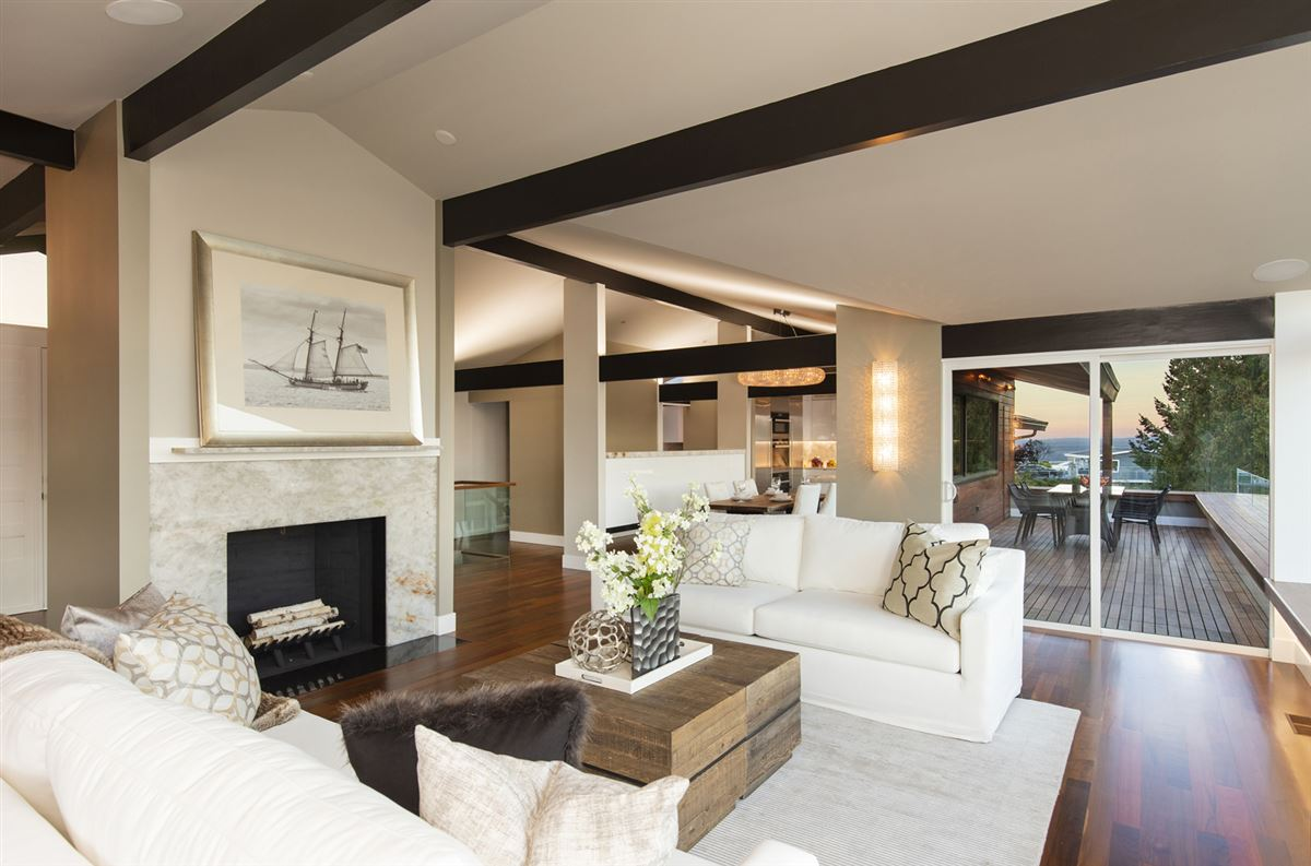 Mesmerizing Protected Views   Elegantly Re-imagined 2015-2018  luxury homes