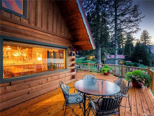 Luxury homes A magical paradise on Fish Lake