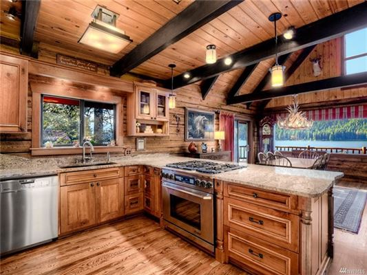 A magical paradise on Fish Lake luxury properties