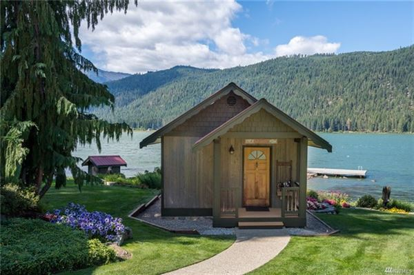 A magical paradise on Fish Lake luxury real estate